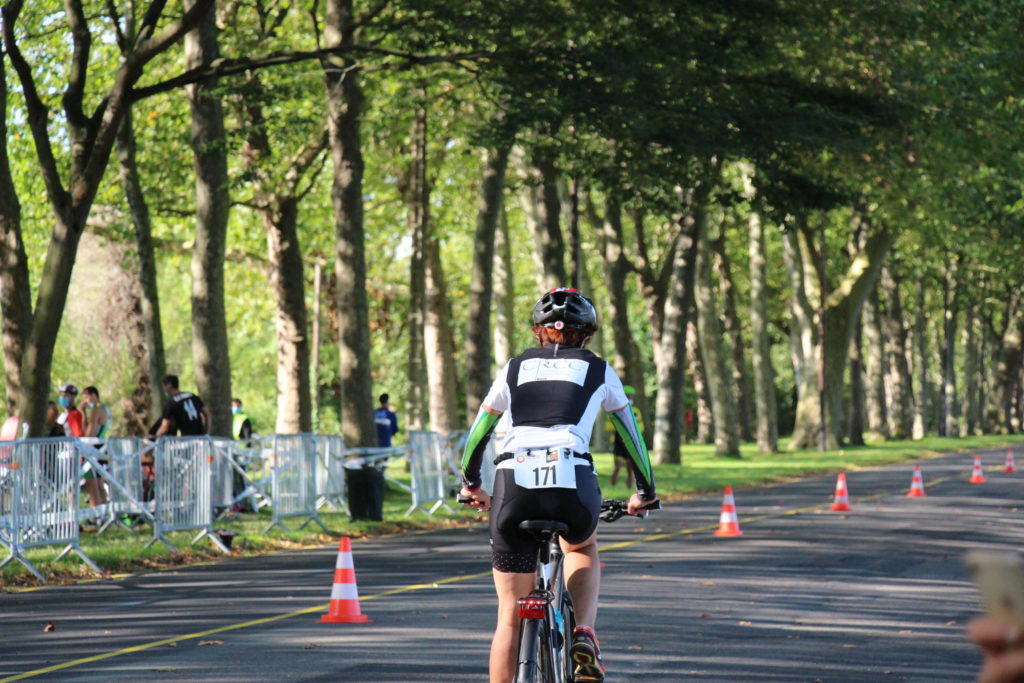 2nde épreuve : vélo - Claire Fournier en piste